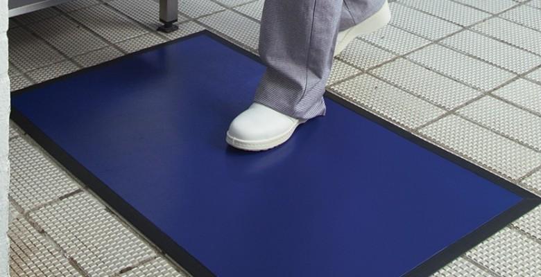 1 contaminations crois es par les chaussures professionnelles en cuisine sanipousse. Black Bedroom Furniture Sets. Home Design Ideas